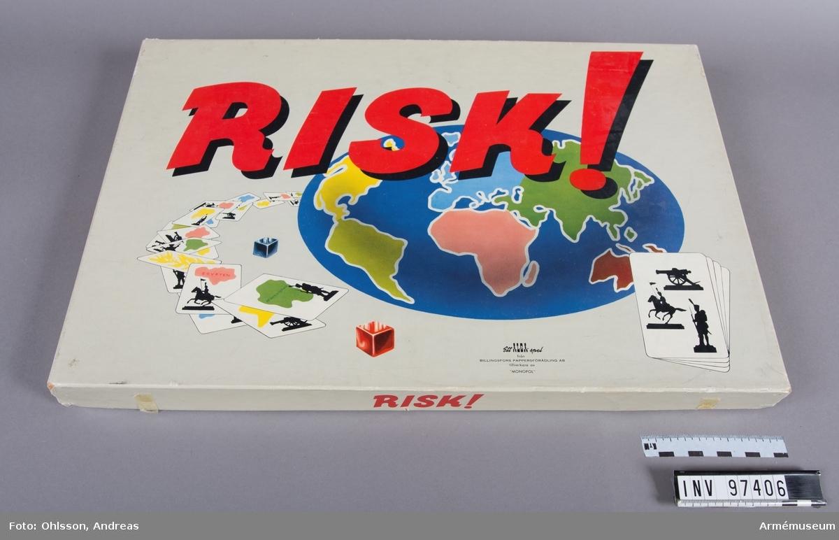 Spelet består av en spelplan föreställande en världskarta i där världsdelarna har markerats med olika färger, fyra tärningar, ett 40-tal spelkort, samt cirka 300 spelmarkeringar i svart, gul, röd respektrive gul färg. Spelet går ut på att spelarna ska skaffa sig världsherravälde genom att erövra territorier från motståndarna. Det saknas en tärning.