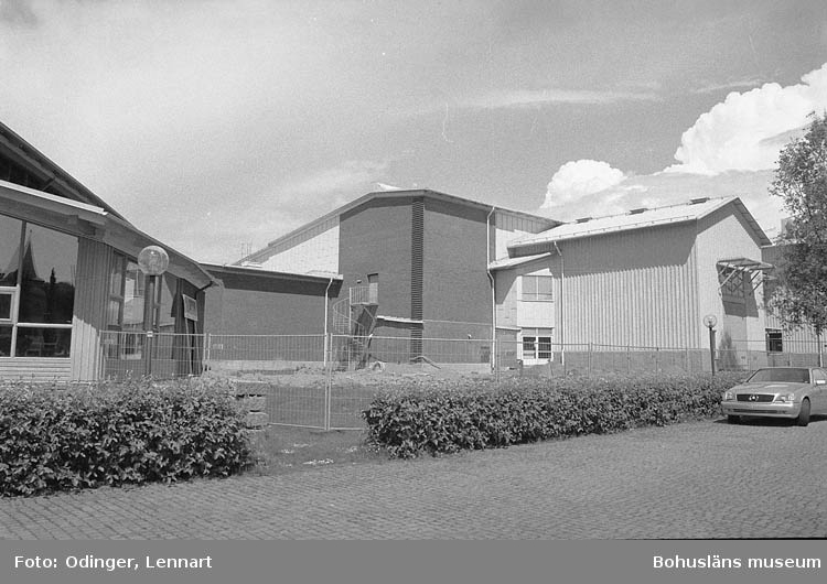 """""""Här skall Bohusläns Museum bygga sin nya konsthall. Percy Barneviks donation""""."""