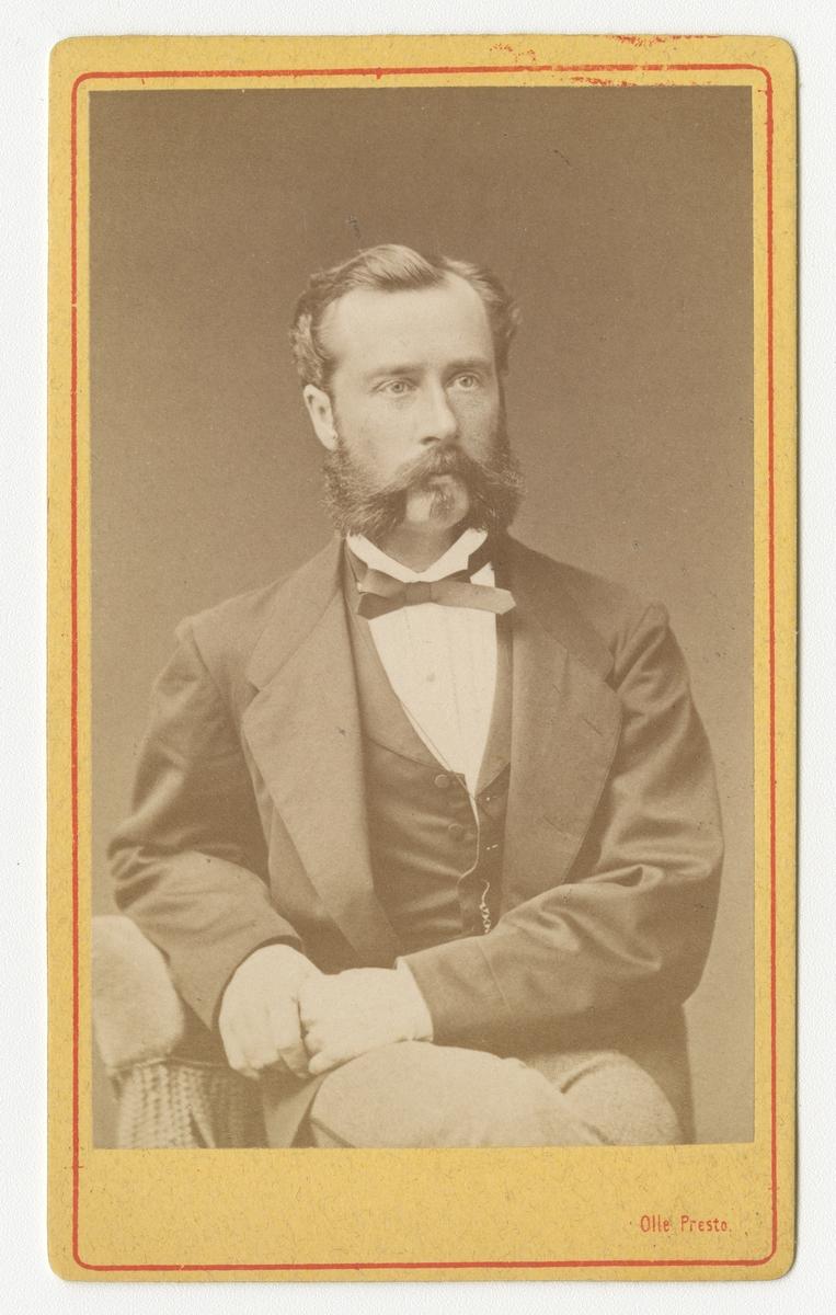 Porträtt av Per Albert Pyhlson, officer vid Skaraborgs regemente I 9.