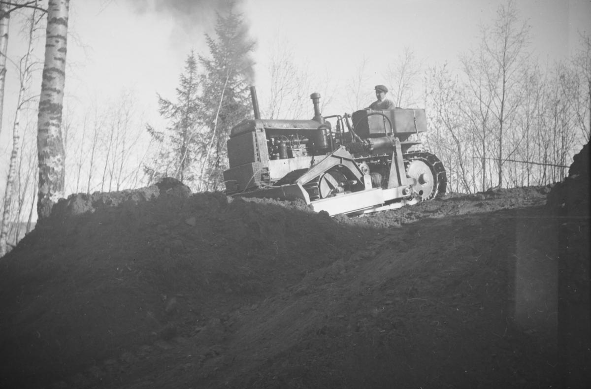 Planering med bulldozer, ført av Erling Fredriksen