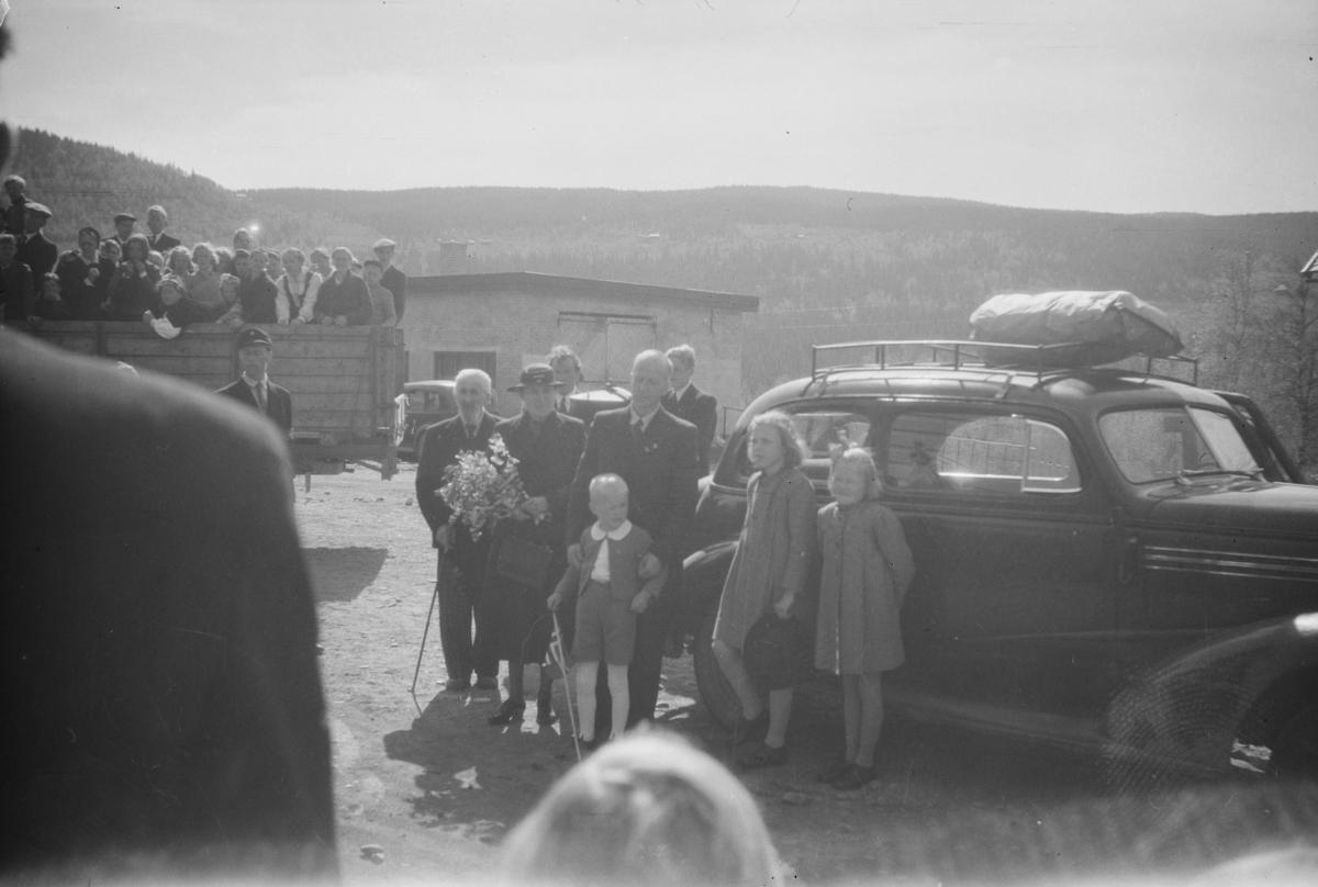 Asbjørn Bø kommer hjem til Vestre Gausdal etter opphold i konsentrasjonsleiren Sachsenhausen