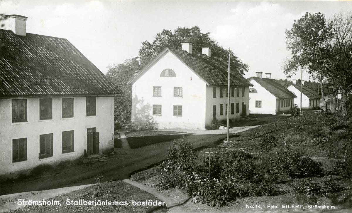 """Kolbäck sn, Strömsholm. Ridskolan, Hingstdepån. Hus vid """"gatan"""" eller vägen mot Borgåsund."""