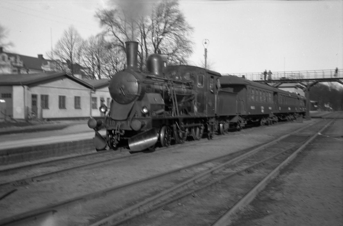 Karlskrona - Växjö Järnväg, CWJ C 10 med persontåg.