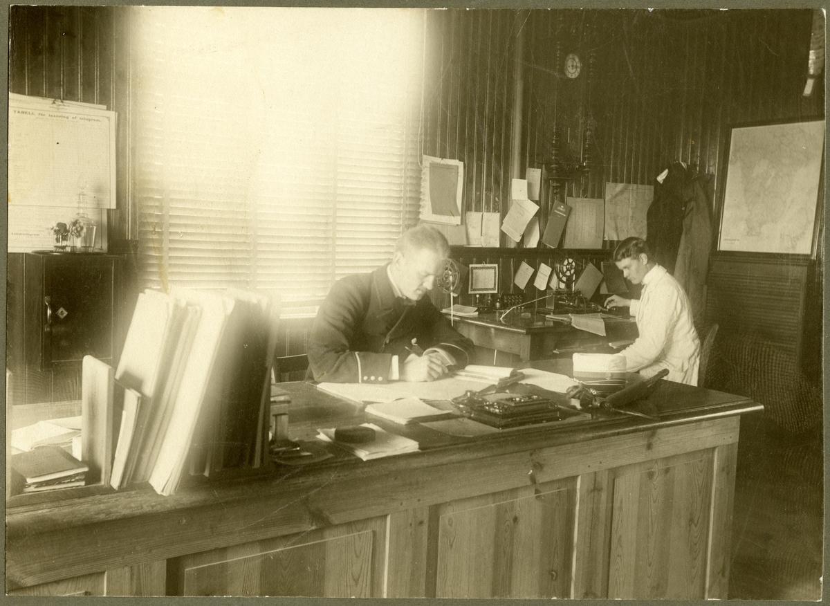 Telegrafexpeditionen vid Dala-Järna med personal.