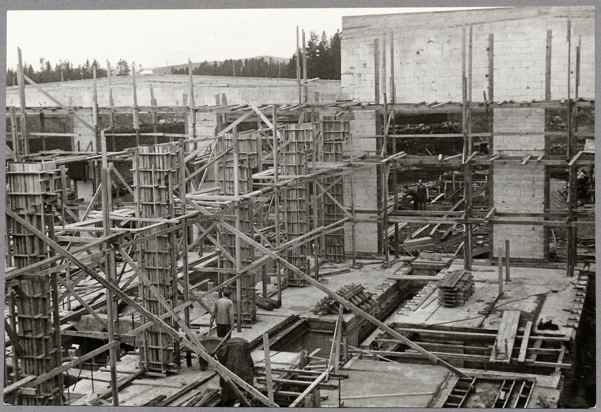 Driftverkstaden under uppbyggnad.