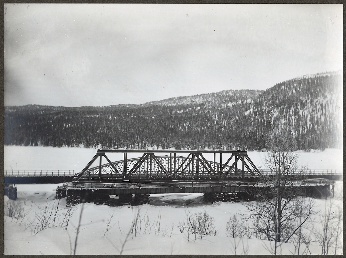 Bro över Forsaforsen på linjen mellan Duved och Storlien.