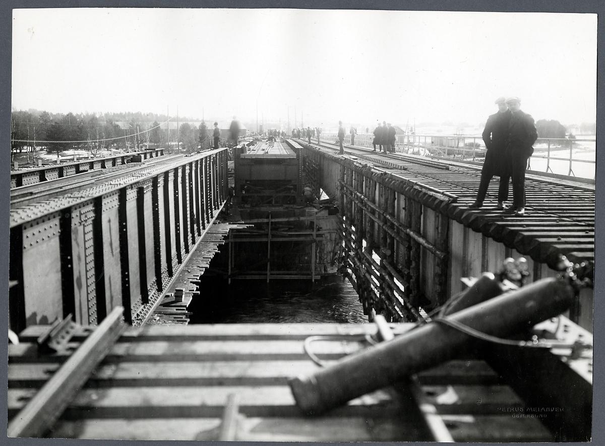 Byte av överbyggnad på järnvägsbron över Indalsälven vid Krokom.