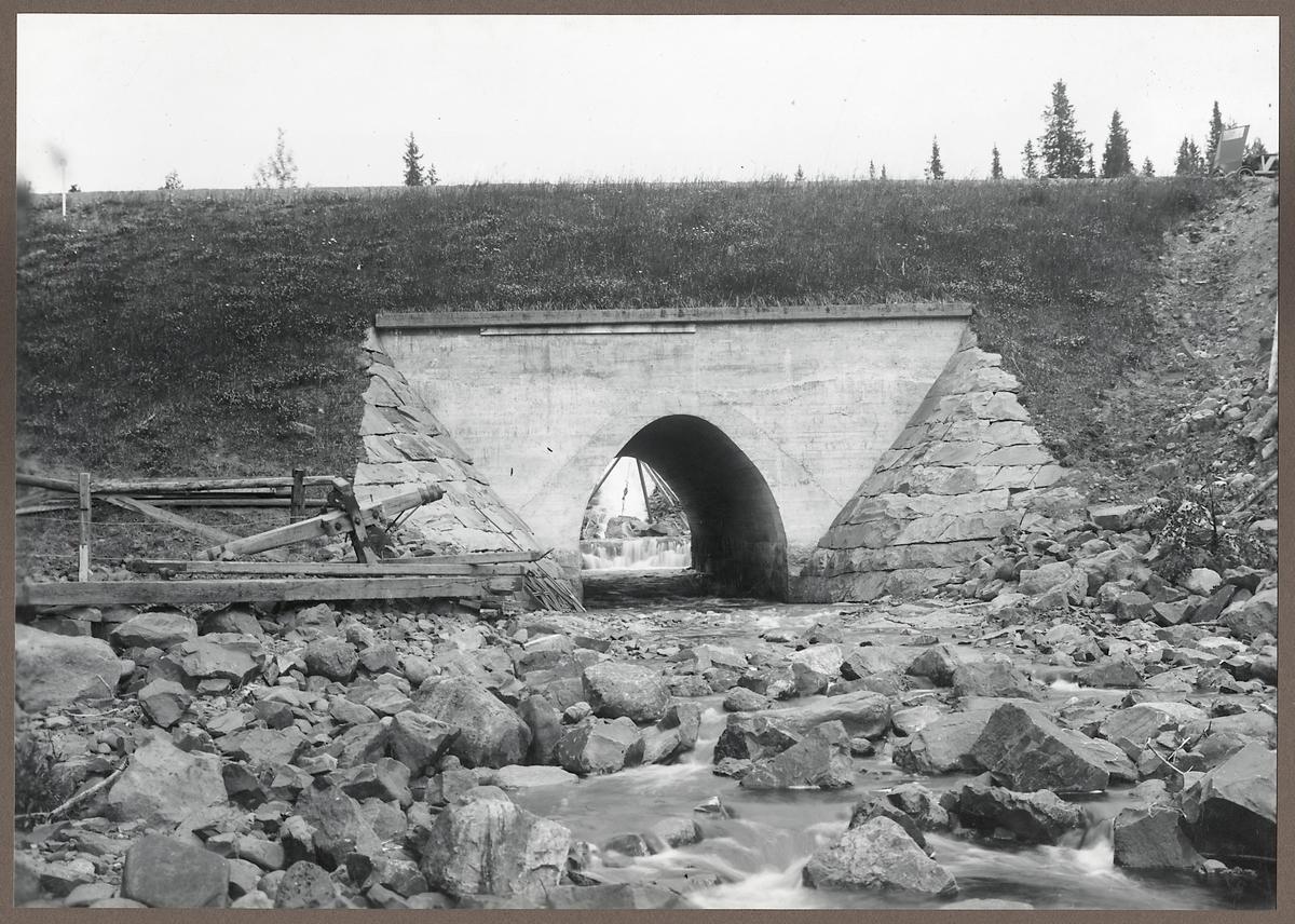 Bro över Östvallen på linjen mellan Transtrand och Sälen.