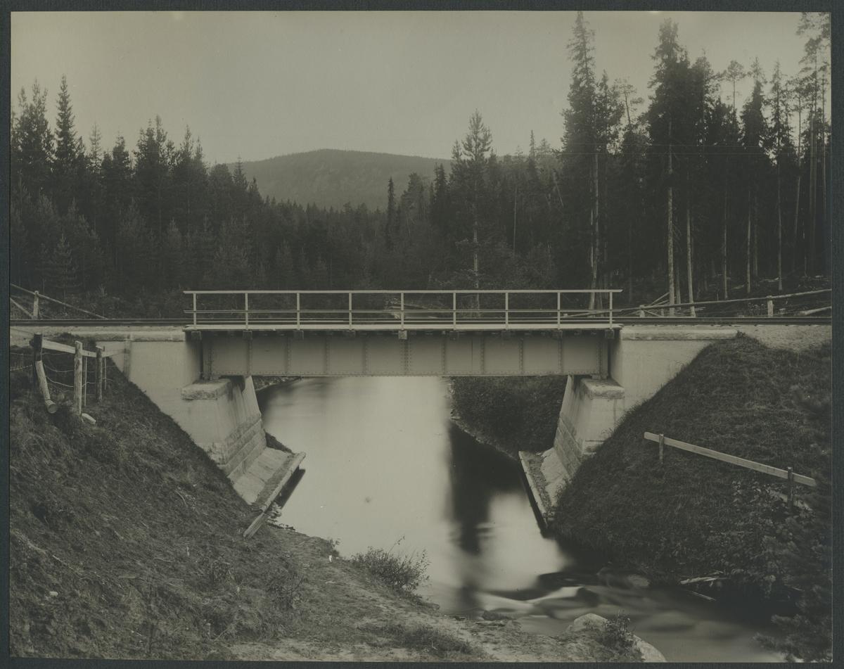 Bro över Korsträskbäcken