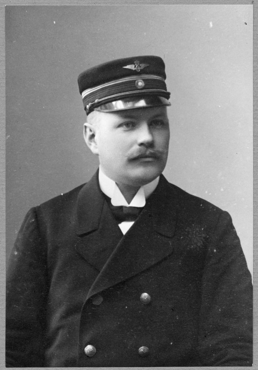 Stationsföreståndare Bror Axel Morin.