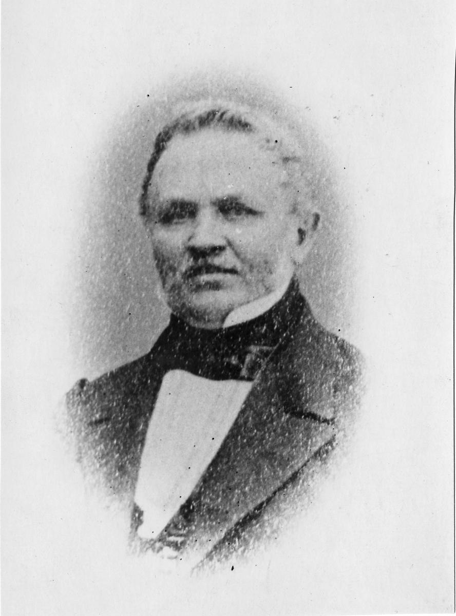 Carl Magnus Rydqvist, Advokatfiskal och Riksdagsman. Carl var ledamot av första kammaren 1869-1878.