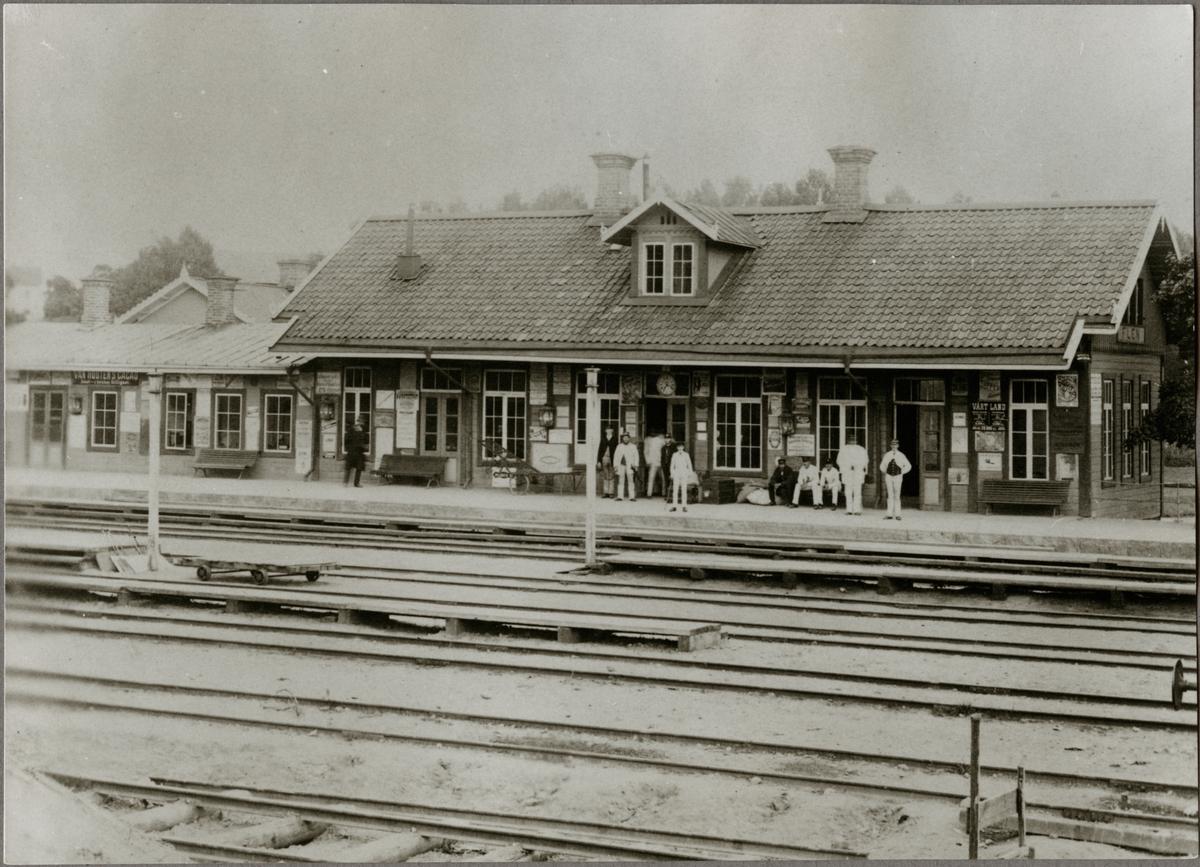 Flens stationshus före 1890.