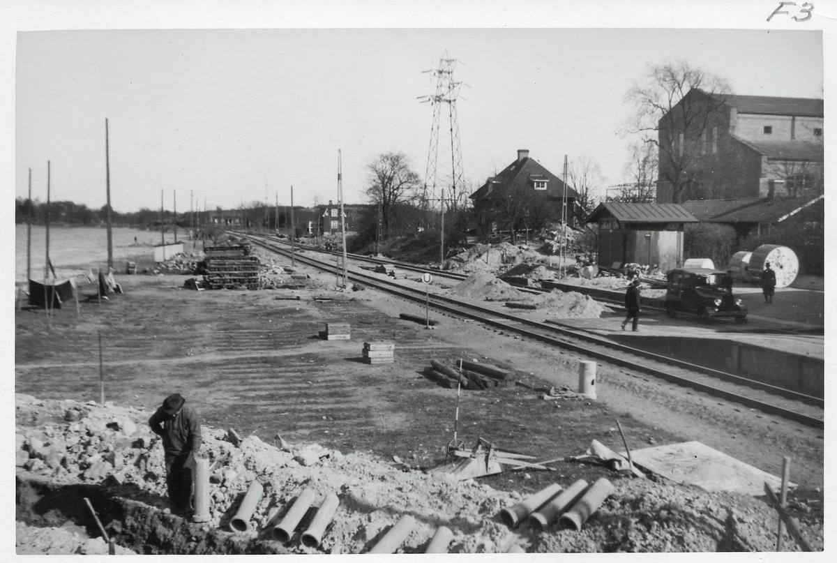 Bygge av en järnvägsövergång i Eksund.