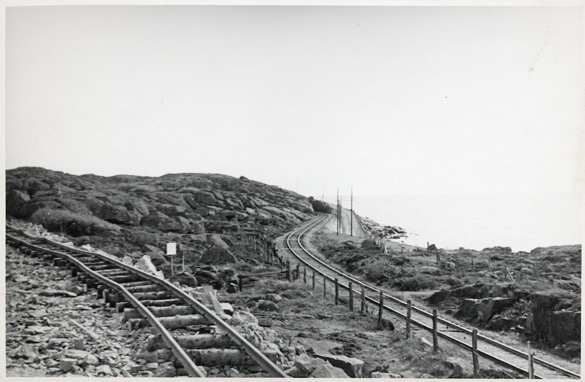 Spåromläggning vid Varberg på 1930-talet.