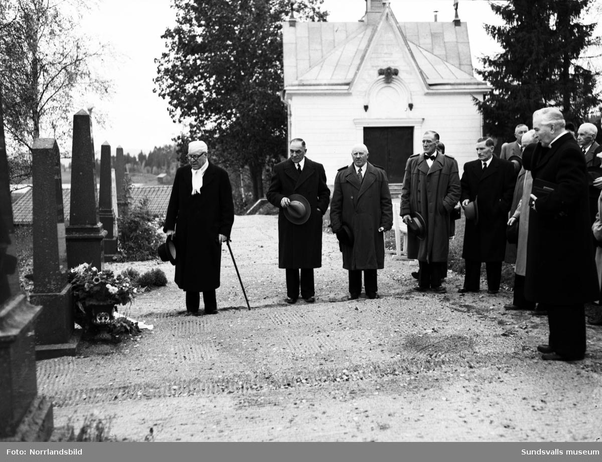 Sågverksjubileum i Stöde kyrka och på kyrkogården.