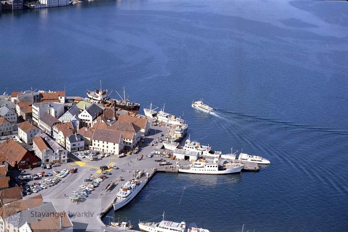 Skansekaien..Gateløp: Skansegata, Havneringen, Nordbøgata, Valberggata, Baades gate, Bådegata