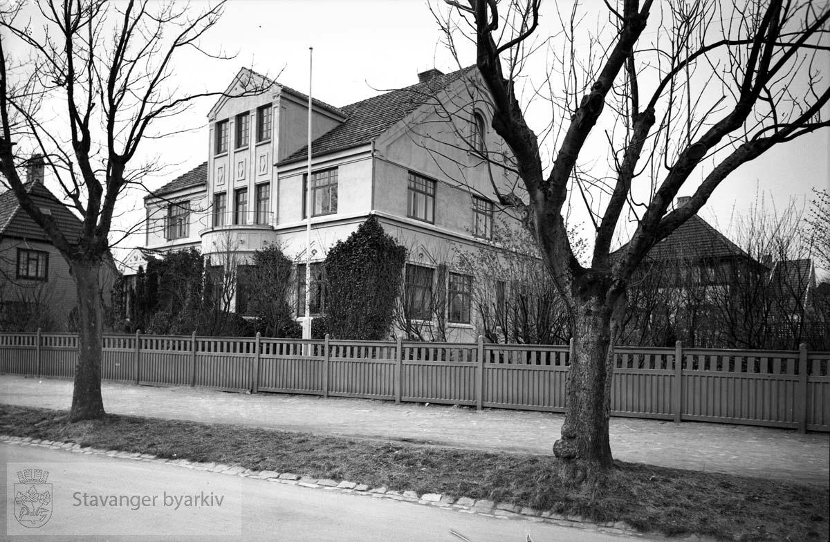 Biskop J. Chr. Petersens hjem..Eiganesveien 57