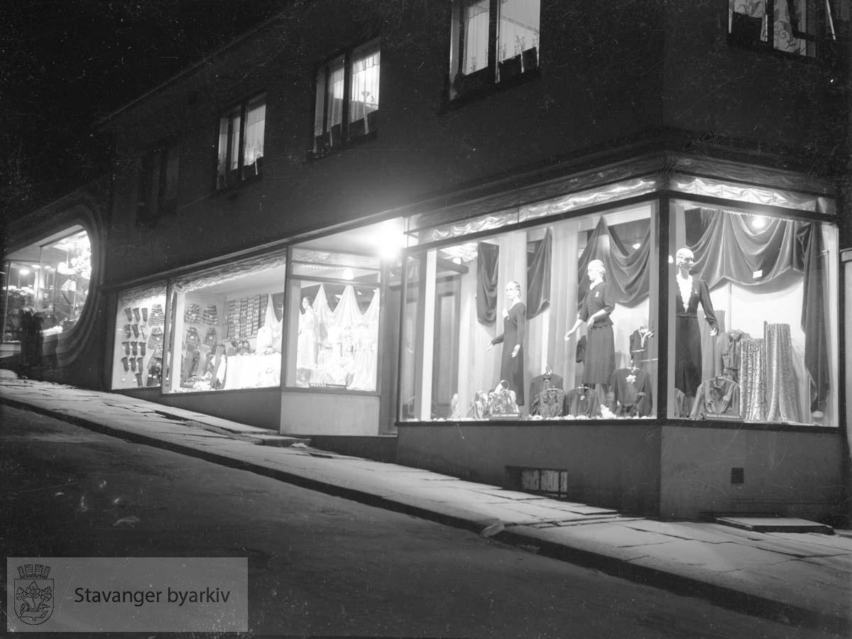 Diverse vinduer og fasader.Stavanger Radio-Central helt til venstre i bildet