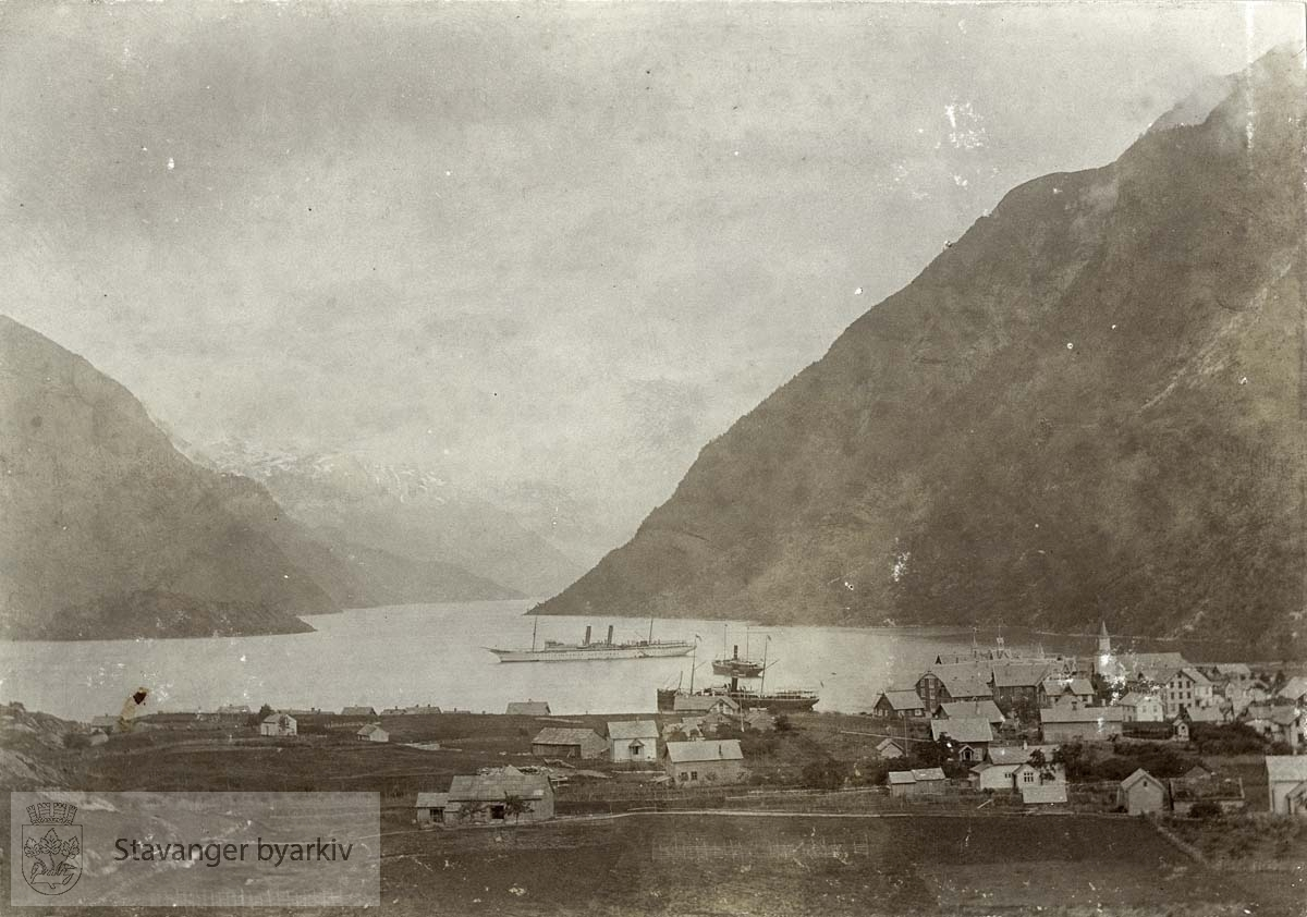 Hardangerfjorden sett fra Odda