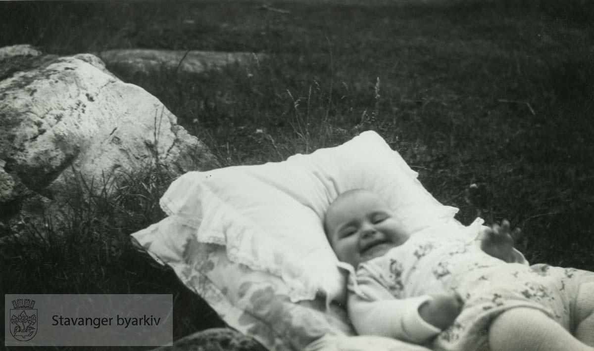 Unni Monsen, Sverre Monsens datter