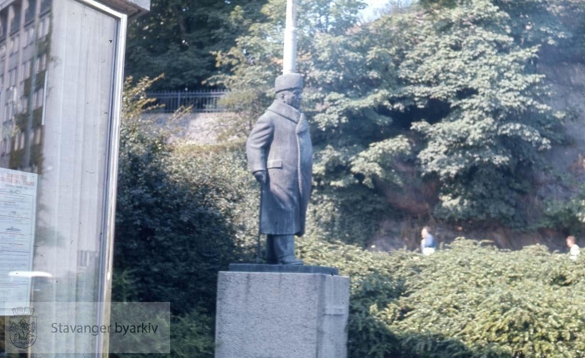 Skulptur av Ottar Espeland