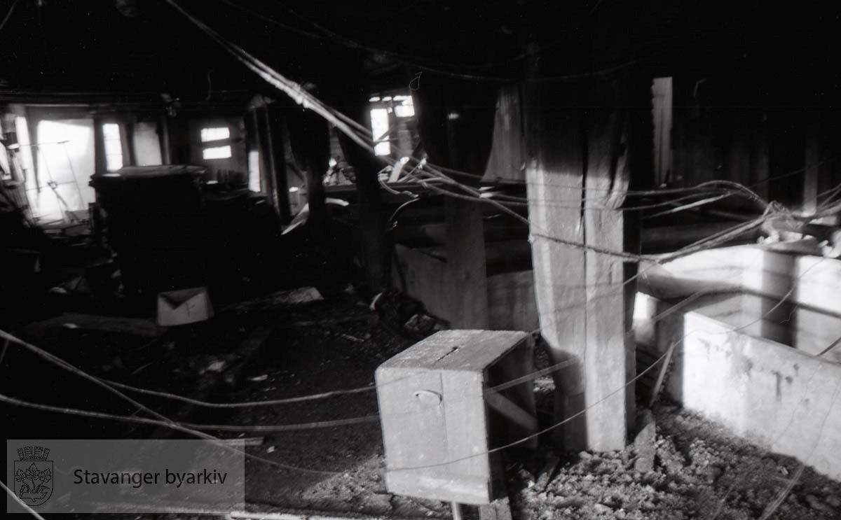 Brann i Bjellands sjøhus, restene av sjøhusene