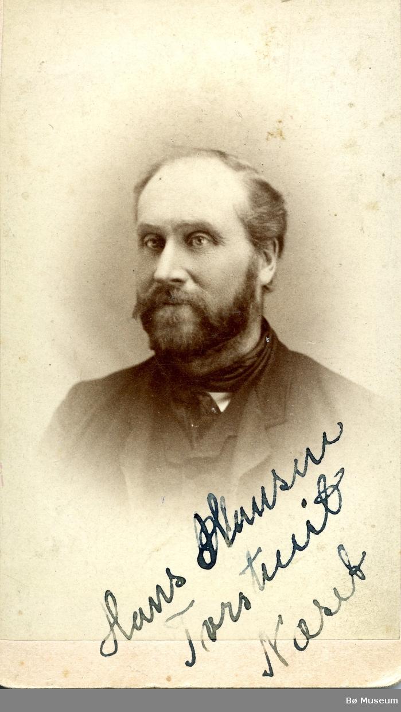 Portrettfoto av Hans H. Torstveit (Neset)