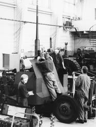 40 mm fältautomatpjäs m/48. Montering av rekylbroms