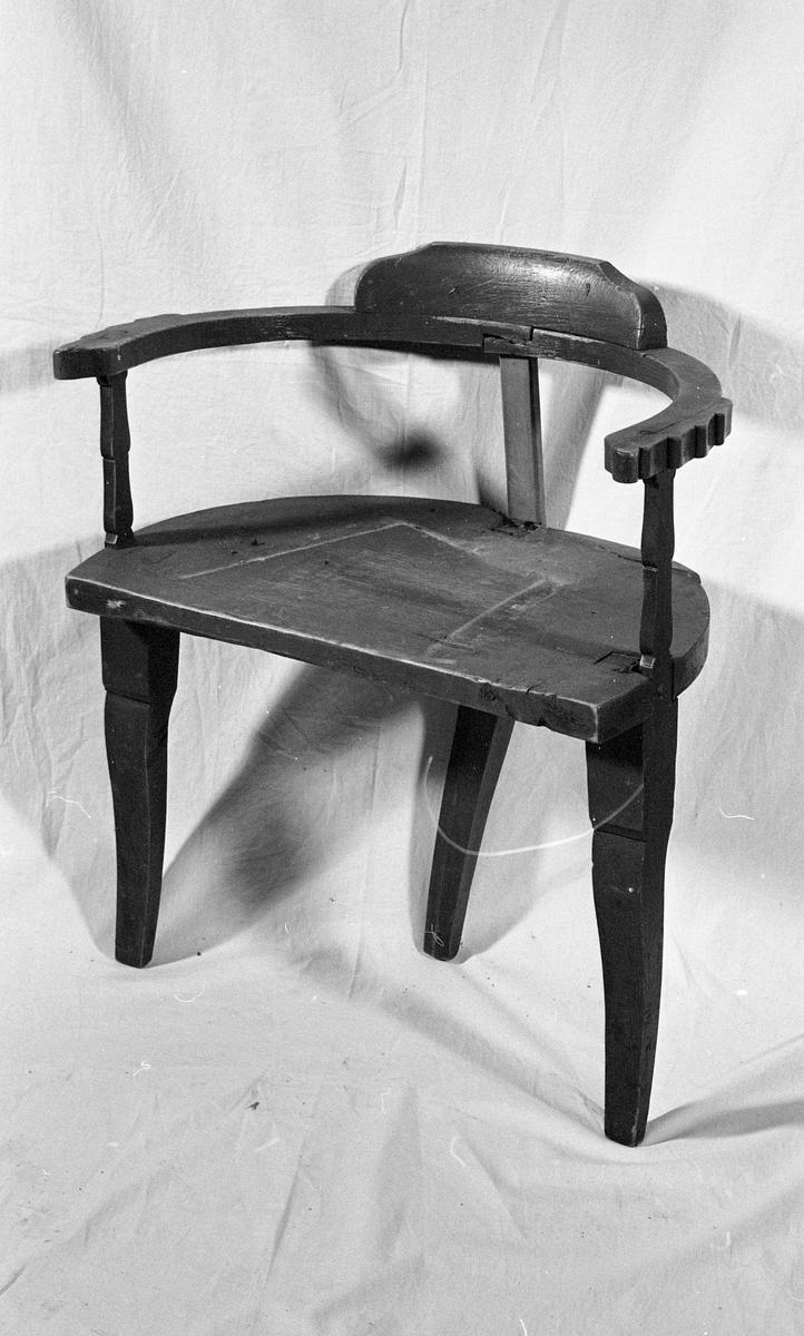 Stol, halvsirkelformet