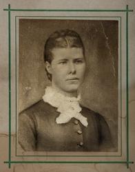 Portrett av dame. Syverine Andersdatter Sveum? (død 1901) Fr