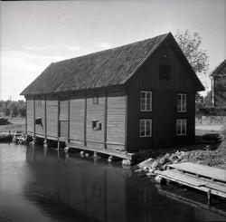 Misterhultsboden i Figeholm, med liggande panel och brygga.