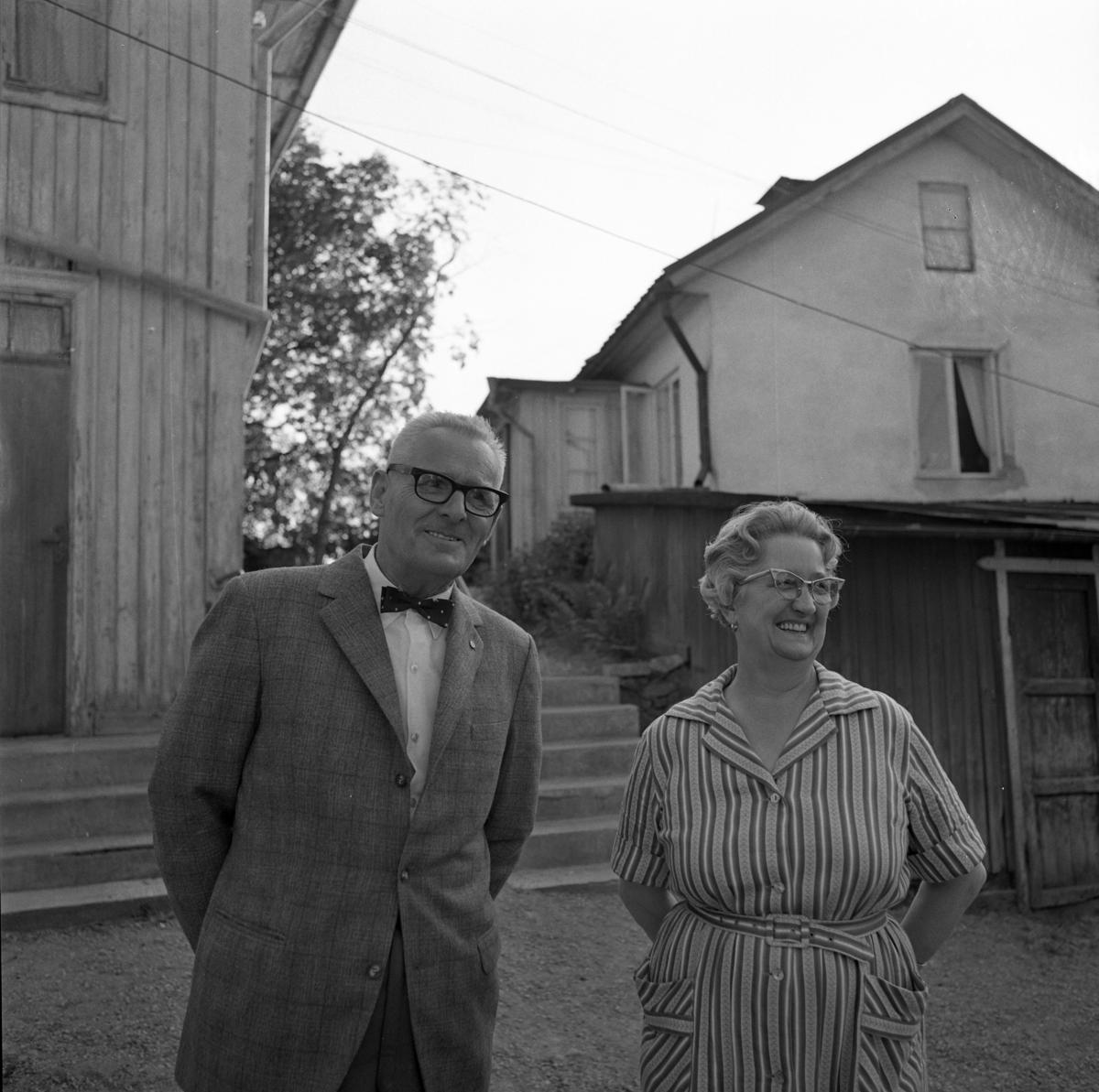 Tvillingarna Jonas Carlsson och Alva Ramberg inför 60-årsdagen.