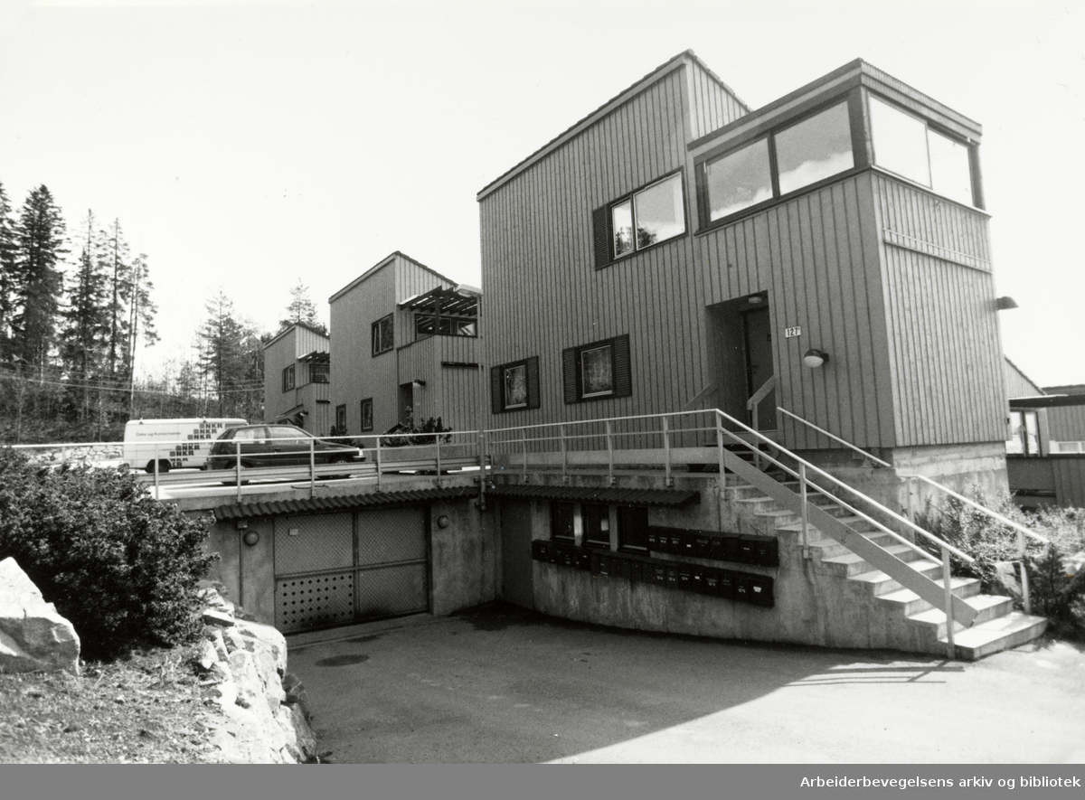 Holmenkollveien 127. 22. august 1992
