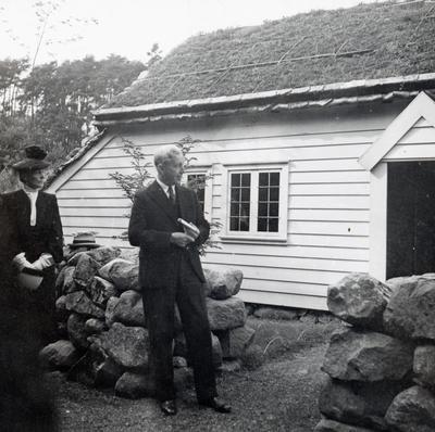 Sem Sæland holdt tale under åpningen på Bygdøy hvor han fortalte om barndomsminnene han hadde fra huset. (Foto/Photo)