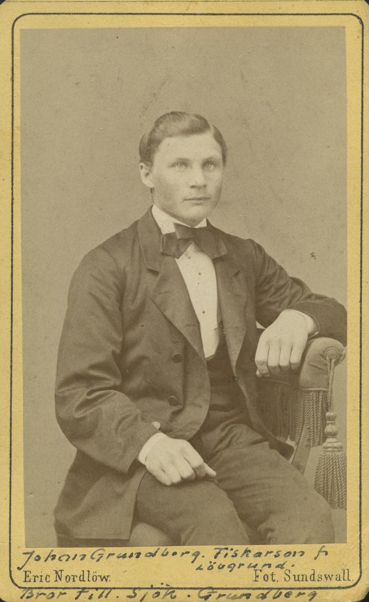Johan Grundberg. Fiskarson från Lövgrund. Bror till Sjökapten Grundberg.