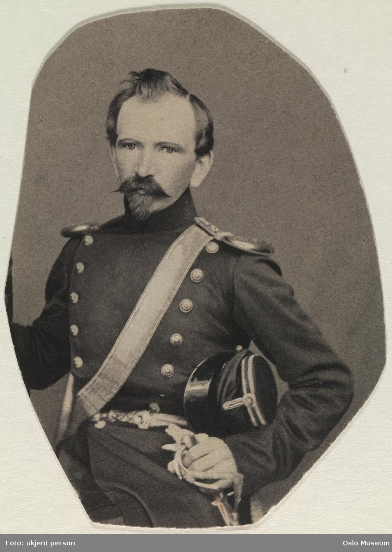 portrett, mann, oberst, uniform, halvfigur