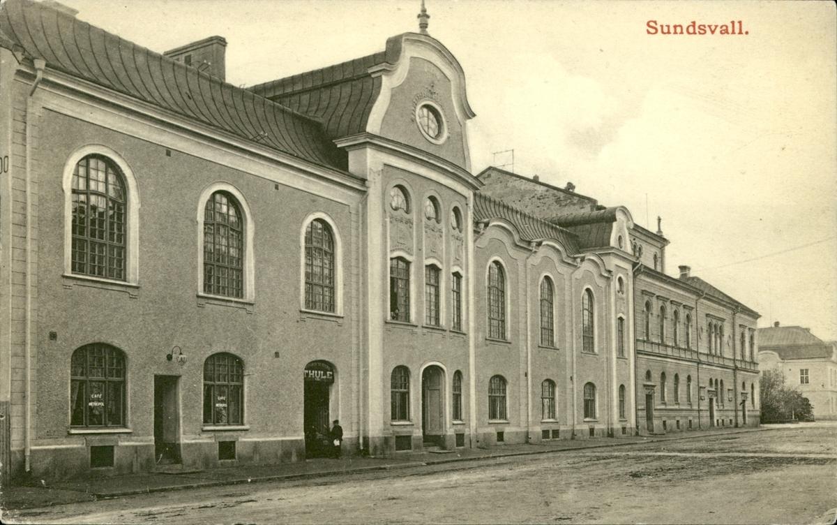 Vykort med motiv över Köpmangatan i Sundsvall.