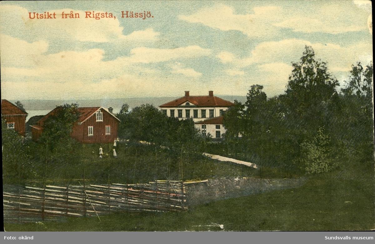 Vykort med motiv över utsikten från Rigsta, Hässjö.