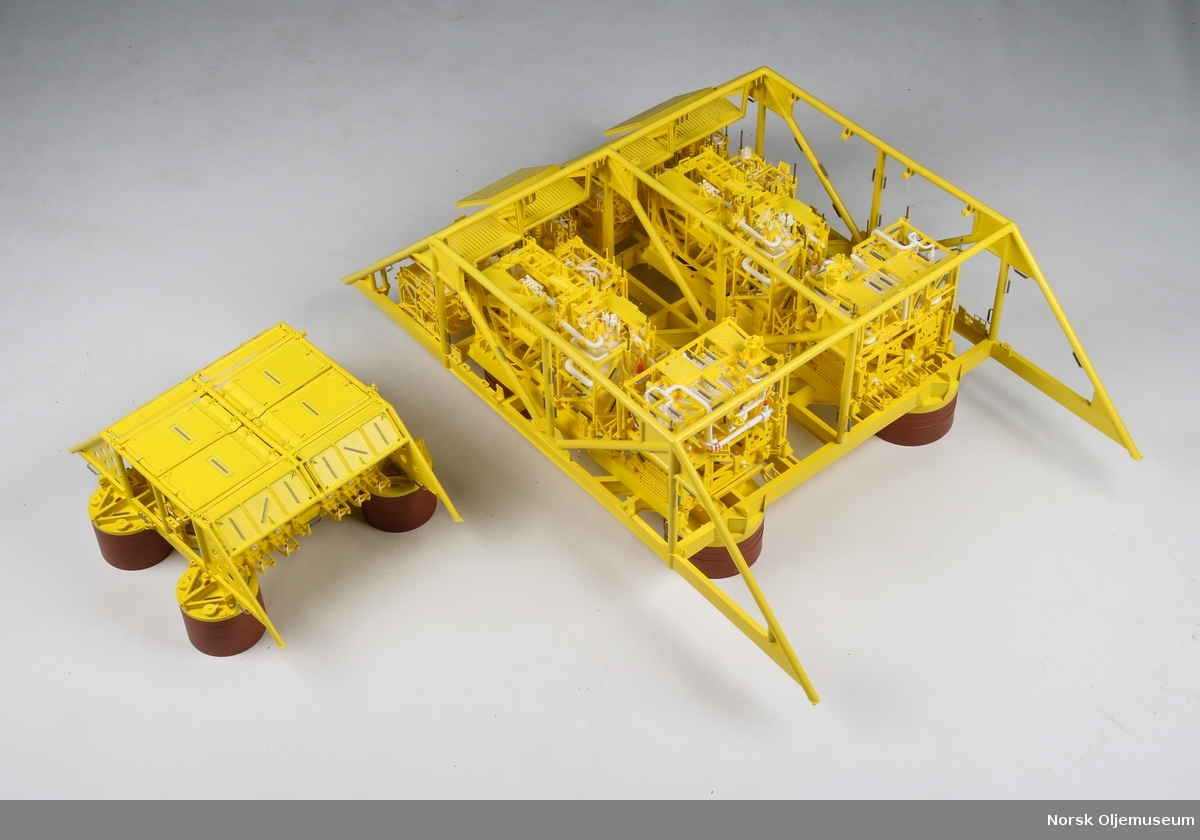 Detaljert modell. Åsgard C. Denne installasjonen er en standard utførelse som kan være lik på mange oljefelt. Den er produsert ved CNC maskinering. Produsert i 2013.