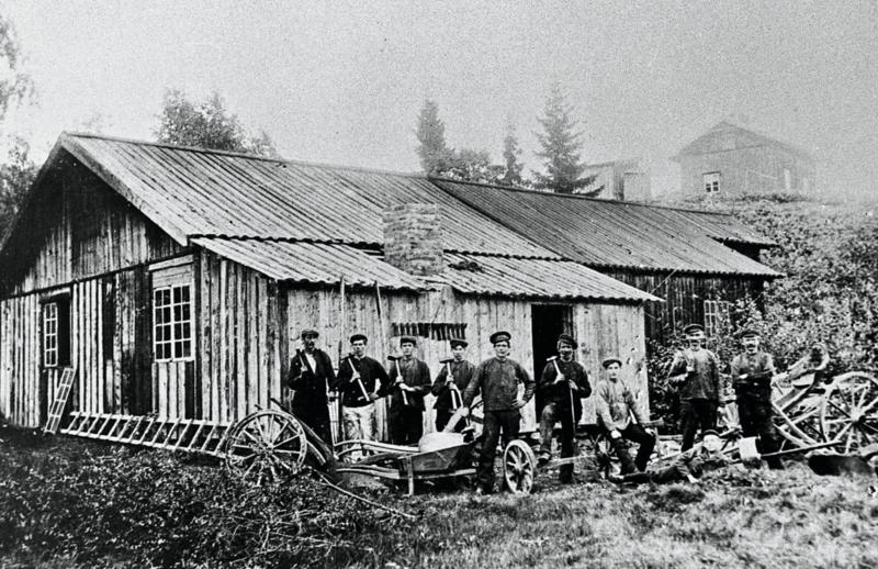 Den gamle Bodinsmia ved Holt, ca. 1910. (Foto/Photo)