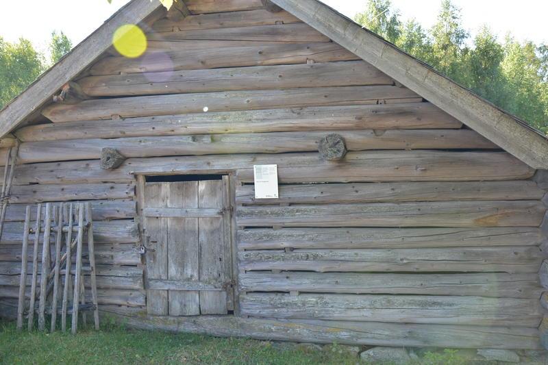 Fjøs frå hauststølen til Hauge i Lomen. (Foto/Photo)