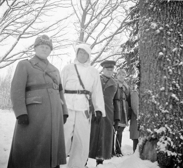 Kring, Hilding, överste, A 6, till vänster. Utländskt militärbesök.