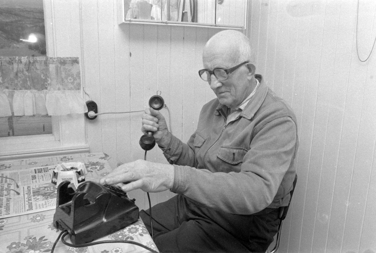 Ole Jørgensen på telefonen.