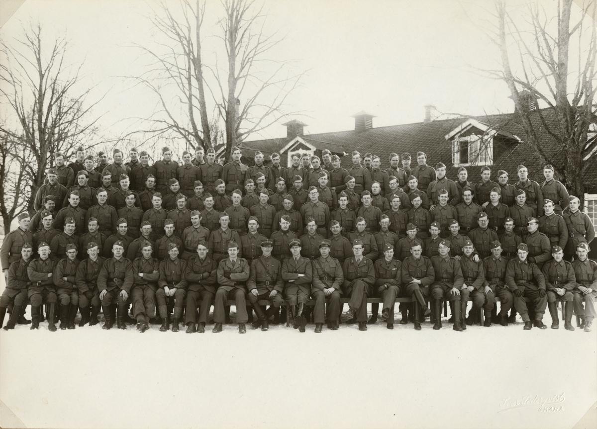 "Text i fotoalbum: ""Komissarieskolan i Axvall febr-mars 1941""."