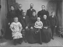 Anton og Mette Rostads med familie.
