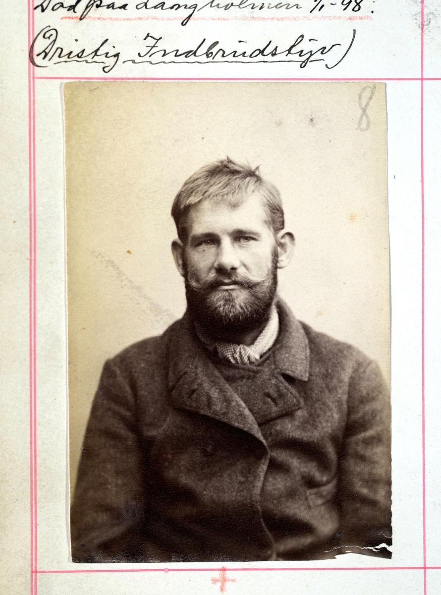 Registreringsfoto fra Kristiania-politiets forbryteralbum 1903-1922