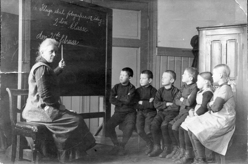Undervisning ved døveskolen i Trondheim, 1915 (Foto/Photo)