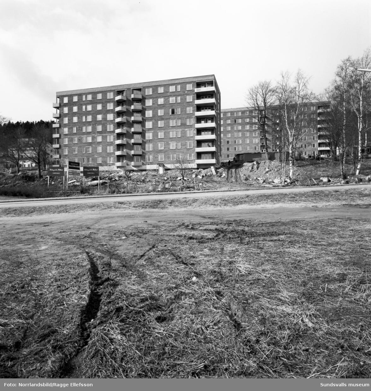 Slutspurt på bygget av Ludvigsbergshusen på Baldersvägen 14-16.