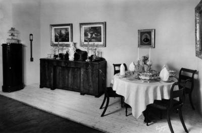 Rik. Dekket bord ca 1840. (Foto/Photo)