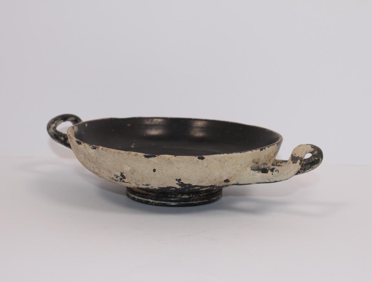 Antikk skål fra Pompeii av brent leire